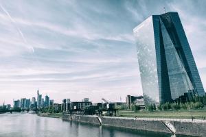 Die Europäische Zentralbank  - Architekturführung rund um das EZB-Hochhaus & die ehemalige Großmarkthalle