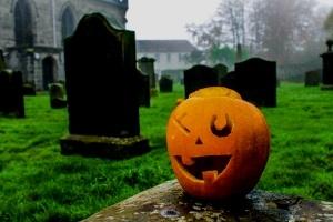 Halloween-Spezial - Taschenlampen-Führung über den Hauptfriedhof
