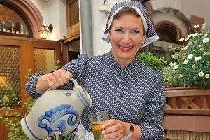 Ebbelwei mit de Fraa Rauscher - Aane Kostümführung iwwern Römerbersch