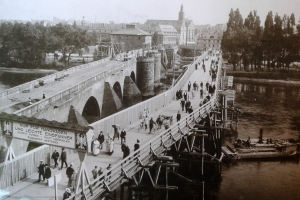 Es führt über den Main ... - Frankfurt & seine Brücken