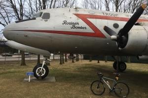 Benefiz-Aktion: Flugzeuge hautnah - Gemütliche Radtour rund um den Frankfurter Flughafen