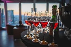 Winemakers Dinner Champagne - Exklusives 4-Gänge-Menü im Jumeirah Frankfurt