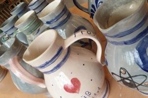 Paint your own Bembel - Ein kreatives Erlebnis uff hessisch mit Ebbelwoi & Snacks