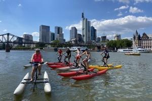 Mit dem Wasserfahrrad durch Frankfurt - Die City-Skyline Tour