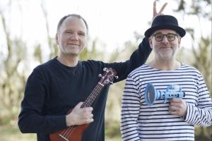 Die Flo-Show, nur echt mit Olaf & Ukulele! - Die große, digitale Samstagabendshow aus dem kleinsten Studio Hessens.
