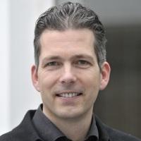 Dr. Arne Winkelmann